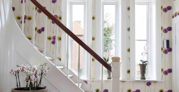 Styrk dig selv og dit hjem og få indsigt i farvernes kraftfulde virkning.